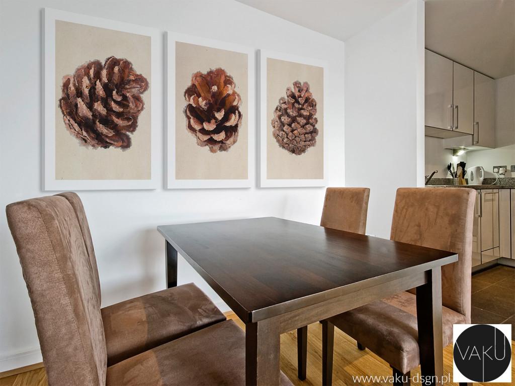 Jeśli jesteś przywiązany do swojego starego, drewnianego stołu w jadalni i nie chcesz się z nim rozstawać - mamy na to radę! Podkreśl oryginalny charakter jego drewna wieszając w pobliżu tryptyk w naturalnych brązach. Twoje wnętrze odzyska niepowtarzalny klimat przyjemnego kąta.
