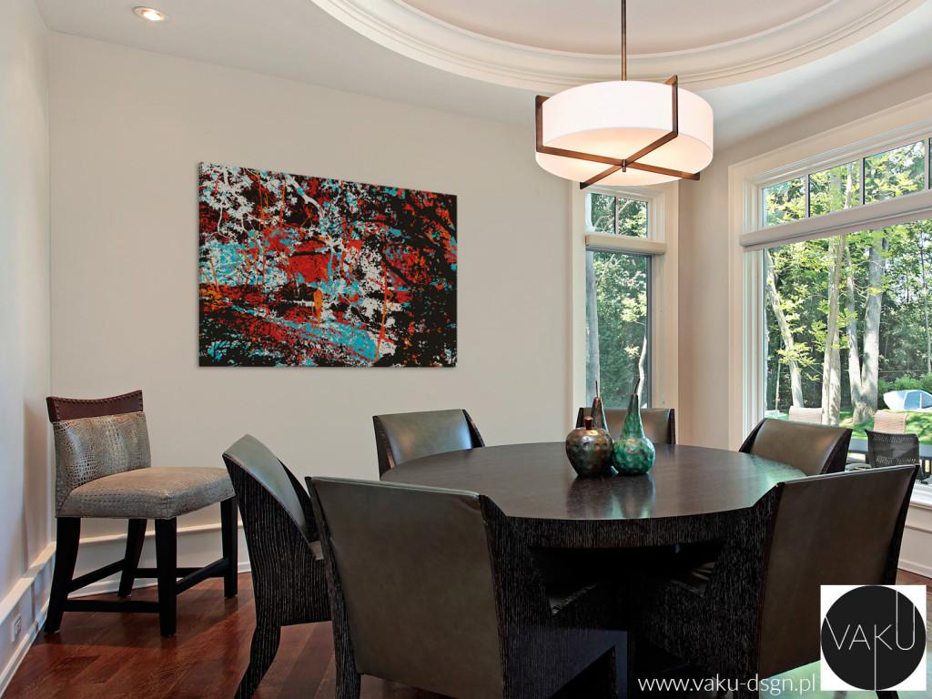 Obrazy abstrakcyjne to wybór dobry także do przestronnego salonu, gdzie podkreślają elegancki i wystawny klimat pomieszczenia - tutaj urządzonego w stylu klasycznym.