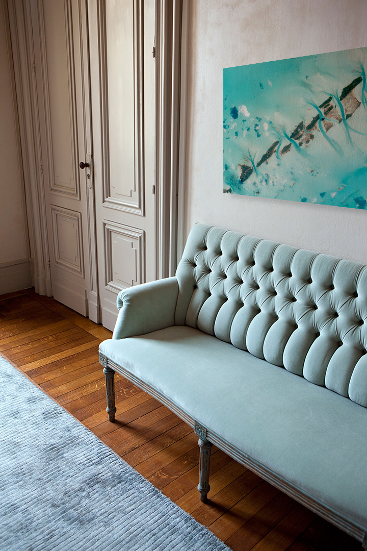 miętowa sofa Chesterfield
